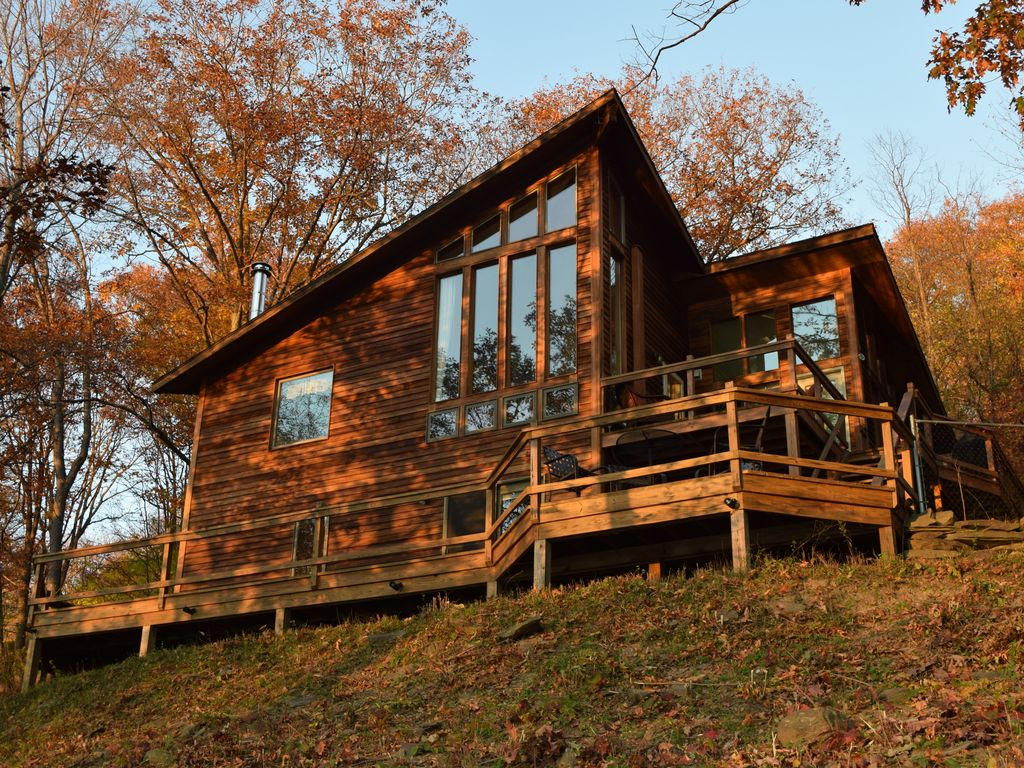 Heron ledge watkins glen cliffside view vrbo for Cabin rentals vicino a watkins glen ny