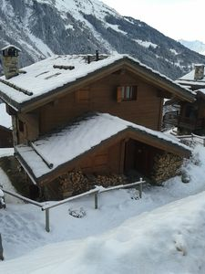 Chalet on ski station quiet location but near slopes and shops  for 8-10 people