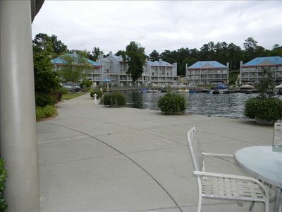 Stroll to the Harbor Pointe Marina to rent a pontoon boat or stock up on snacks.