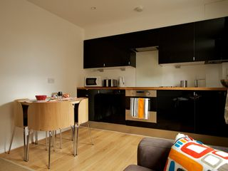 City of London apartment photo - Contemporary & Modern Kitchen