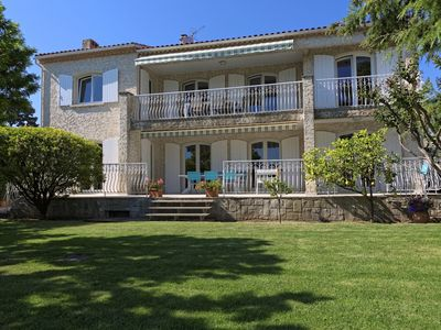 Villa with private pool and garden, very quiet, 5 minutes from the beach