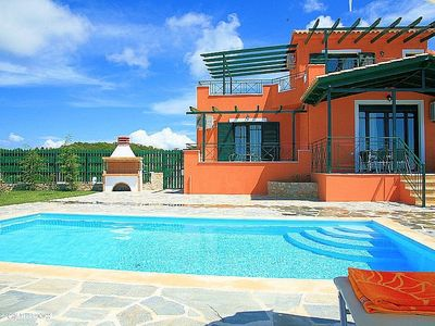 Private Villa with 2 Bedrooms And Swimming Pool