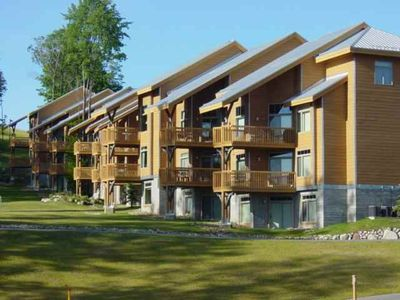 Slopeside condo in Cedar River - wonderful location for summer fun