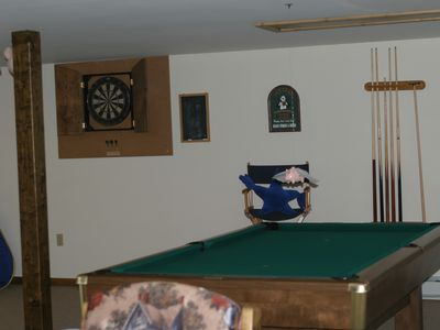 Game Room w Pool Table, Darts, Air Hockey, TV