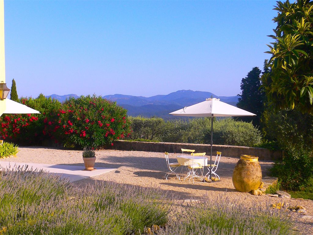 Charming Villa in Provence, private pool, panoramic views, 25km from Cannes