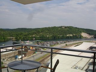 Branson hotel photo - Have The Lake, Mountains, & City All In Your View!!!!!!