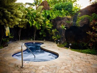 Relax in this grand jacuzzi made of Hawaiian Rocks next to the Waterfall Pools