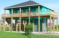 Come enjoy all Crystal Beach has to offer at this laid back friendly getaway