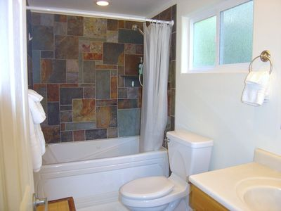 Jetted Jacuzzi Tub in Bathroom with Custom Slate Design/Luxury Linens!