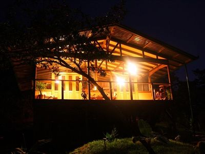 The cabina at night