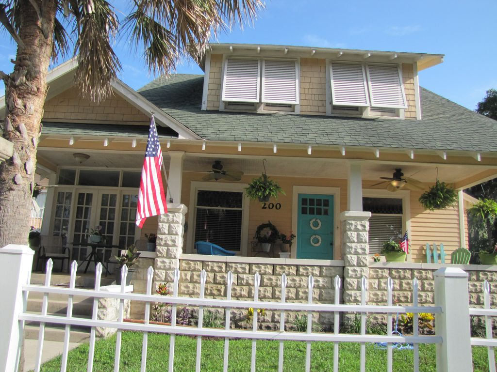 Key West Style Bungalow Daytona Historic Beach House 3 Br Vacation House For Rent In Rogers