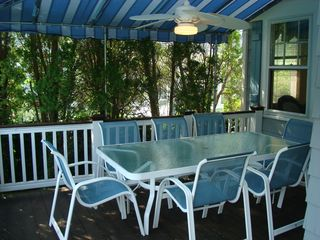 Bay Head house photo - Outdoor dining table