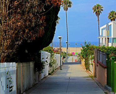 Walk way to beach