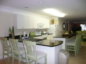 Crescent Beach villa rental - Large kitchen with 8 bar stools