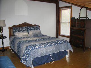 South Haven cottage photo - Upstairs bedroom with queen and single bed