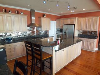 Lake Allatoona house photo - Gourmet Kitchen w Island & Everything You Need!