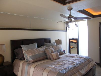 King Size Master Bed with a wonderful beach view