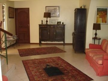 Big entrance hall , Lamu door and antiques