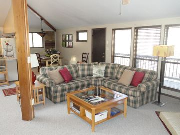 Hedgesville cottage rental - Cozy living room area with flat screen tv, fireplace