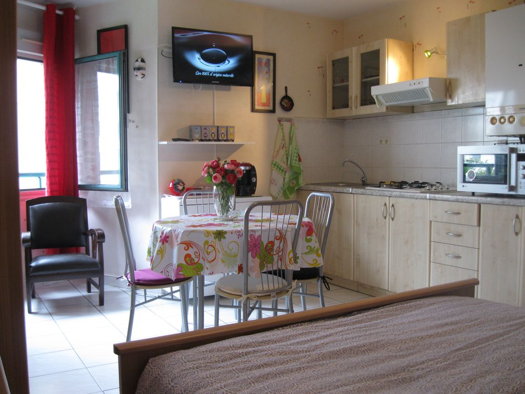 Very nice studio 25 m2 a small price homeaway toulouse for Amenager studio 25 m2