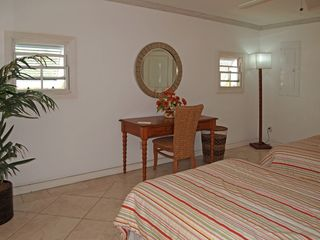 Holetown apartment photo - .