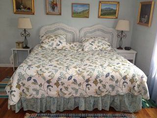 Westhampton house photo - Large Guest Bedroom, King Size Bed, 3 windows