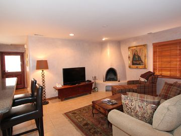 Santa Fe townhome rental - Living room