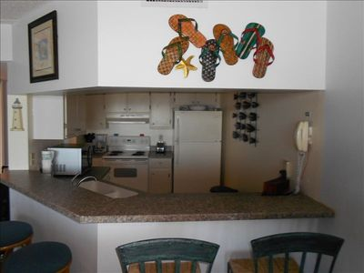 Breakfast bar, Kitchen with all amenities and utensils