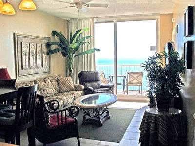 Living Room with Beautiful View of the Gulf... Flat Screen TV and Stereo System