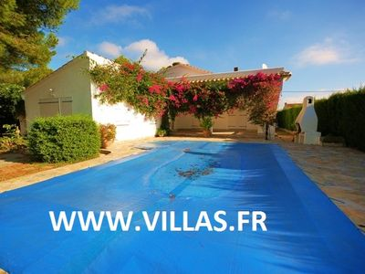 Nice large detached villa with private pool 300m from the sea.