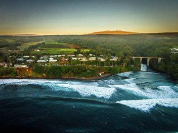 Hilo cottage rental - Aerial View of my community and Honoli'i Beach.