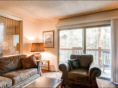 Breckenridge condo rental - Comfortable Seating & Fireplace in the Living Area