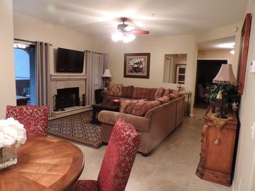 Scottsdale North condo rental - Large living room and dinning area.