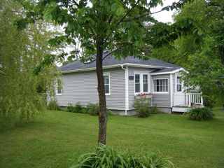 Castine cottage photo - Side view