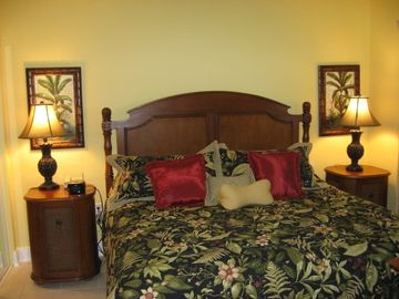 Emerald Beach Resort condo rental - Master Bedroom