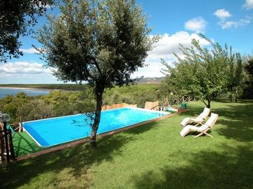 Ansedonia villa rental - Relaxing by the pool