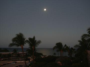 Moonlit nights on the lanai are as beautiful as the day.