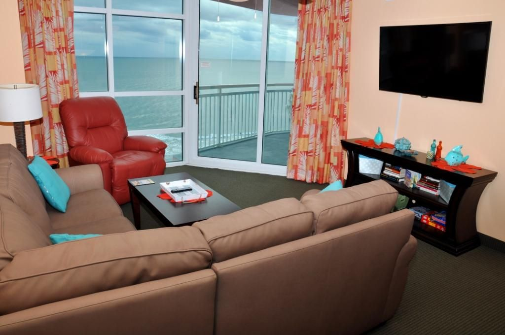 Fun prince resort condo with upgrades and vrbo for Fun living room chairs