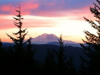 Snoqualmie Pass lodge photo - Sunset View of Mt. Rainier from nearby Keechelus Ridge