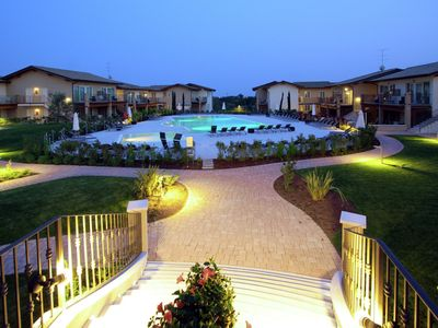 Comfortable flat in a resort with a pool <2 km from Lake Garda