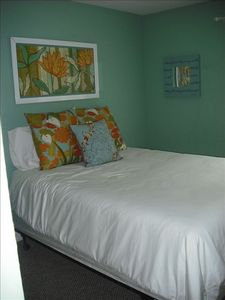 Queen size bed with pillowtop mattress in bedroom 3