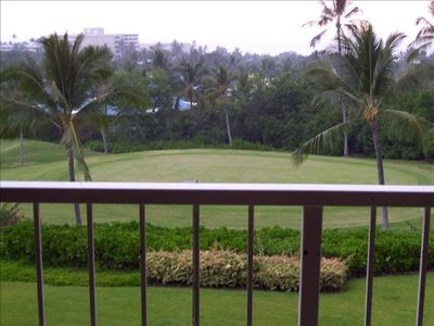 View golfers at 8th fairway from the lanai