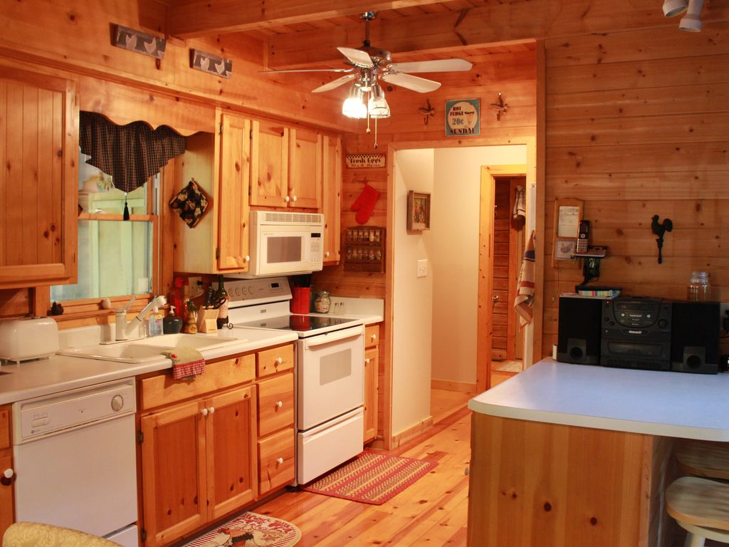 Beautifully Furnished Cabin In Pine Mountain Near Callaway Gardens