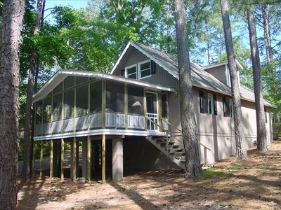 Large Screened Porch Facing Lake Innsbrook