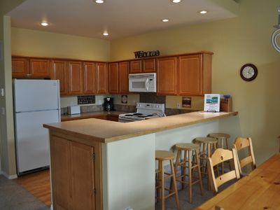Clean and open kitchen with plenty of space to cook and entertain.