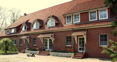 Modern, large apartment (78qm) on the Ferienhof, friendly, recommended by the guest.