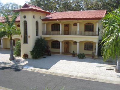 Nosara villa rental - Parking in front of your Villa