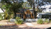 Crescent Heights 2BR/1BA Cape Cod on brick street minutes from downtown St. Pete