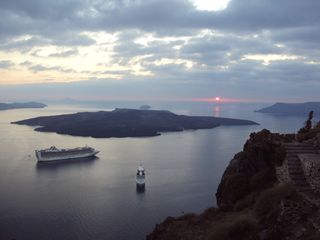 Thira (Fira) villa photo - Caldera view in front of the Villa Dakoronia