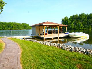 Lake Anna cottage photo - Dock to Tie Boat